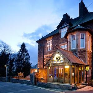 Applegarth Villa Hotel and Restaurant