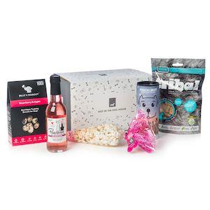 Pawsecco & Pupcorn Gift Set
